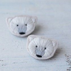 =イヤリング= 手刺繍シロクマフェイスイヤリング|イヤリング|ハンドメイド・手仕事品の販売・購入 Creema(クリーマ)