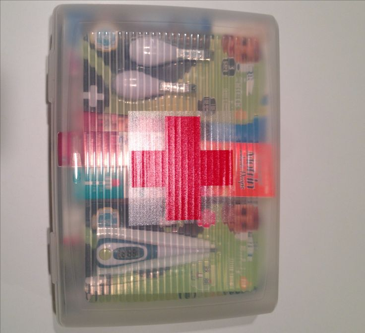 DIY Baby Shower Gifts:  The Finished New Baby First Aid Kit