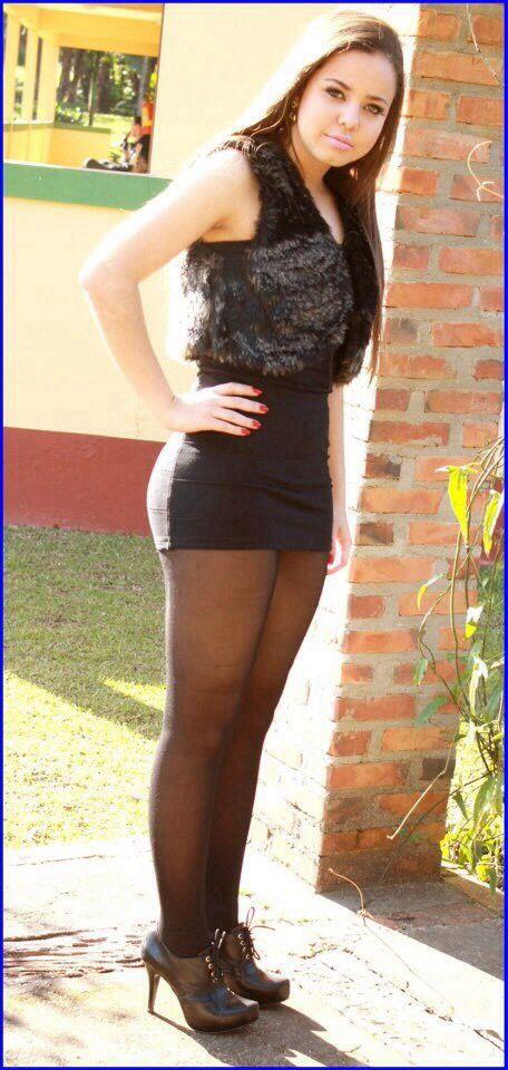 Short skirt pantyhose