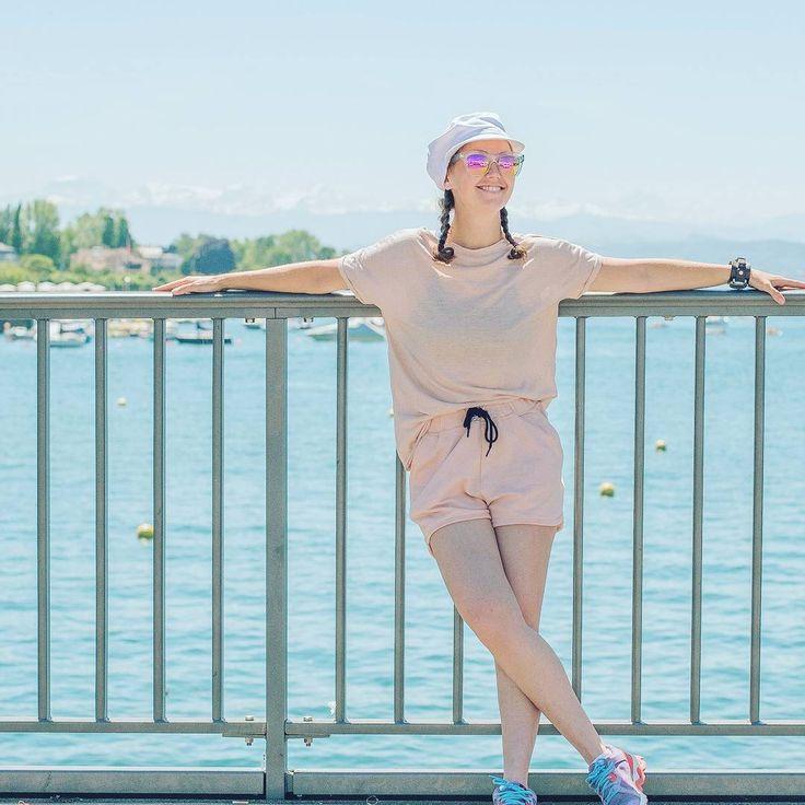 Когда погода благосклонна, то почему бы и не погулять подольше по прекрасному городу Цюриху и не насладиться шикарным видом на озеро и Альпы?! #швейцария #сибирячка #switzerlandpictures #alpes #путешествуйразвиваясь #around_theworld #bridge #swiss #swisssee #expensivecountry #цюрих #travellife #siberiangirl #switzerlandwonderland #fijifilm #travelphotography