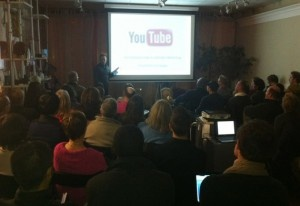 """Speaking to a group of """"Internet Masterminds"""" about YouTube profitability"""