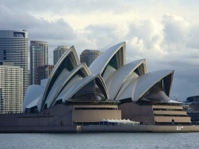 Sydney WA - beautiful, metropolitan city, nice bike paths and gorgeous queue - a worthwhile trip add-on for 2-3 days