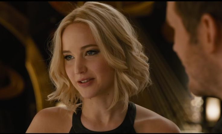 Watch Jennifer Lawrence and Chris Pratt Fall in Love in the New Passengers Trailer
