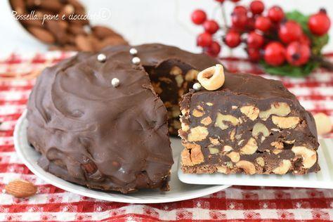 Il PAMPEPATO e' un dolce tradizionale natalizio di Ferrara e di Terni pieno di cioccolato e frutta secca molto facile da fare
