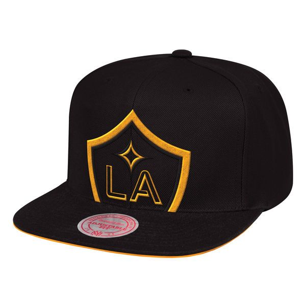 watch 66bd6 8fb6d Men s LA Galaxy Mitchell   Ness Black Cropped XL Snapback Adjustable Hat,  ...