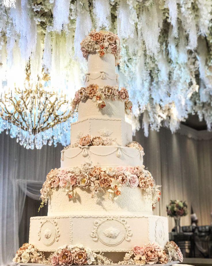 Foto kue pernikahan oleh LeNovelle Cake