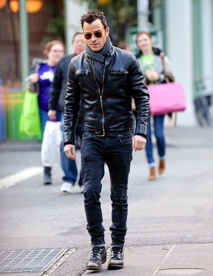 Clad in leather as always, Justin Theroux strutted his stuff in NYC.