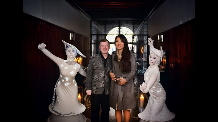 The arrival of the bride and the groom... Graham and Xijia! Welcome cocktail