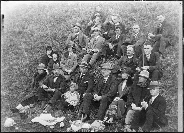 Picnic party on slopes of Mt Wellington, 1927.  Sir George Grey Special Collections.  Auckland Libraries, 4-4767
