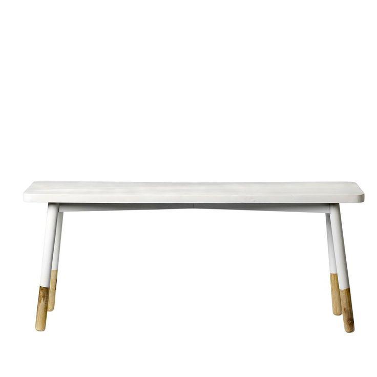 Wit  - Mooi bankje van wit geverfd hout. De pootjes zijn niet geverfd en dit geeft een leuk detail.    afmeting: 110 cm. breed x 30 diep x 45 cm. hoog