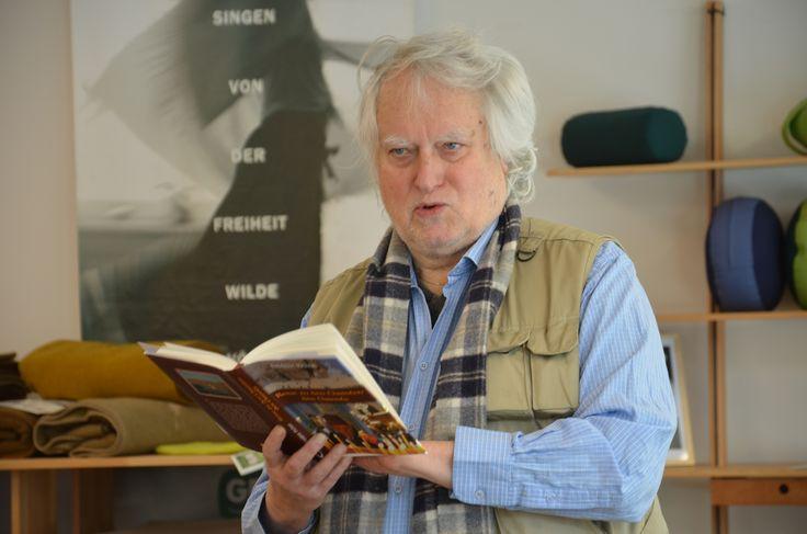 """13.03.15 Gerhard Crepaz liest aus dem Buch """"Die Christen des Orients""""."""