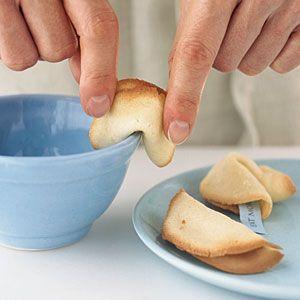 How to make fortune cookies /Cómo hacer galletas de la fortuna