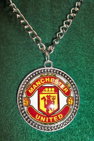 Manchester United soccer teams pendant  sport by sportpendants