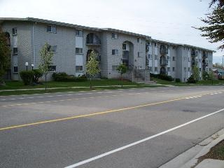 520 Parkside Drive - Apartments for Rent in Waterloo on http://www.rentseeker.ca – managed by Park Property Management Inc.