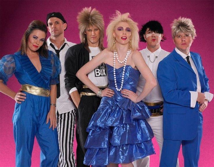 déguisement années 80 - robe et combinaison en bleu pour les femmes/costume en bleu ou en noir et blanc pour les hommes