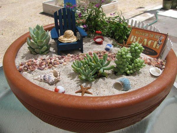 Um jardim de fadas na praia! DIY com miniaturas de chapéu, cadeira, conchas e suculentas!