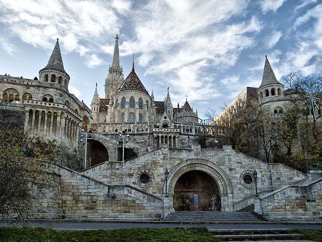 Halászbástya, Budapest, Hungary by Mega4000. (Tks Brandi) - (http://en.wikipedia.org/wiki/Fisherman%27s_Bastion)