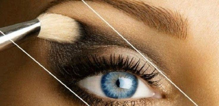 Темные тени для век иногда ведут себя коварно. Любой женщине приходится хорошо потрудиться, чтобы нанести их равномерно и аккуратно… Особенно обидно, когда каждая минута на счету, а макияж никак не по…