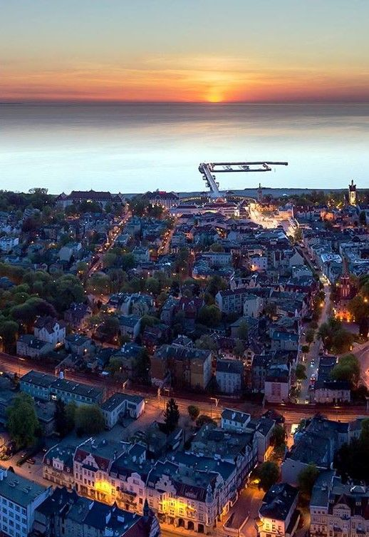 Dormant Sopot just after sunrise. #Poland