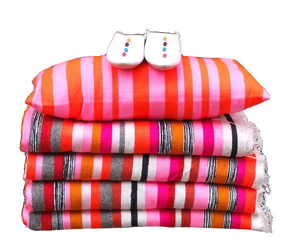 Handwoven bedcovers, throws & pillowcases designed by kira-cph.com