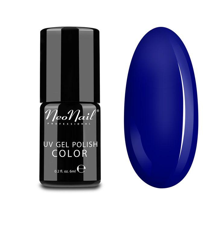Mystic Bluebell - urokliwy kolor tropikalnej burzy, pełnej nieprzewidywalnej mocy ale i piękna. Ten efekt uzyskaliśmy mieszając niezwykle wyrazisty granat z delikatną nutą fioletu. Mystic Bluebell swoim kolorem nawiązuje do mistycznych belgijskich lasów, w których niebieskie odmiany dzwonków kwitną wiosną tworząc dywany kwiecia.