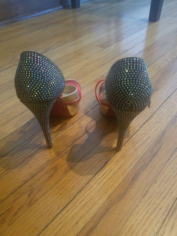 Rote Damen Bottoms High Heels US 8 zu verkaufen in Trout Valley, IL