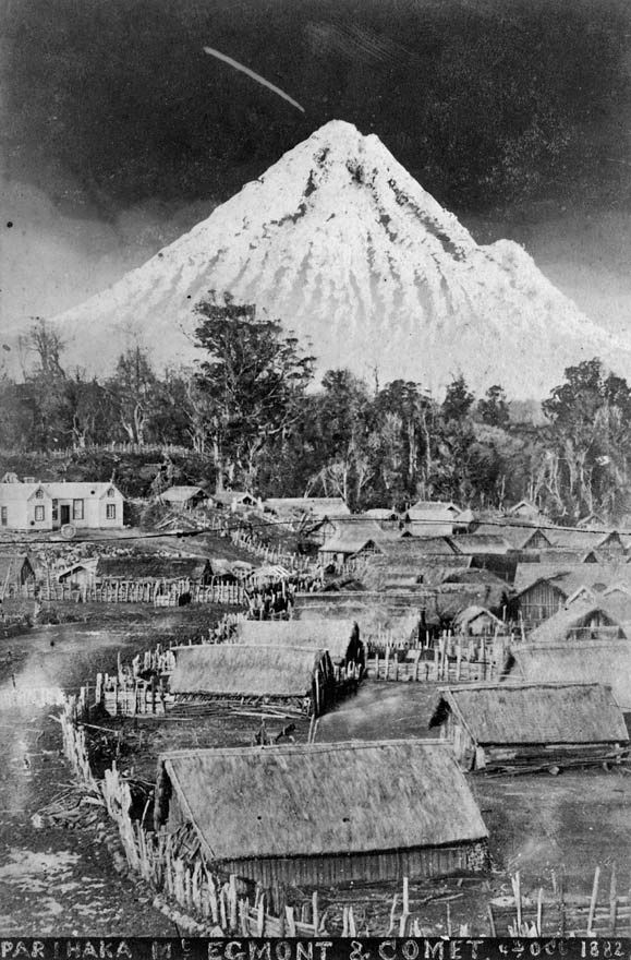 Parihaka, Mt Egmont and comet | NZHistory, New Zealand history online