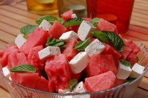 Mentás görögdinnye saláta