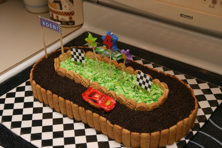 The Race Car Cake With Oreo Crumb Track Grahm Cracker Stick Siding