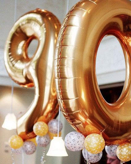 """Giant Number Balloons would be so much fun in photos to celebrate birthday 21, 25, 30, 35 .... for our """"growing up"""" kids to continue a balloon theme done for last day of school each year."""