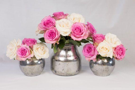 Vases en verre mercure. Argent.  Lot de 3 de différentes tailles. Verre peint. Pièce maîtresse. Décorations de table. Mariage. Dîner de fête. Événements. Cadeau.