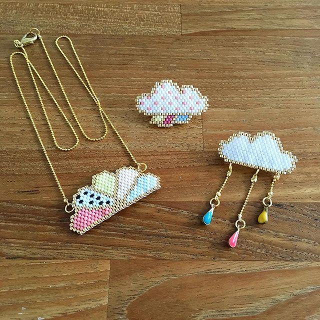Mes tissages faits hier #brickstitch #perles #perlezmoi #perlesaddict #perlesaddictanonymes #miyuki #miyukidelica #miyukibeads #miyukiaddict #jenfiledesperlesetjassume #ladroguerie #lacabaneaperles #supplementsdames #motifliliazalee #collier #broche #nuage #cloud #pluie #rain