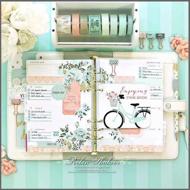 Designs by Robin: Week 30 - Mint and Peach Floral Planner Spread
