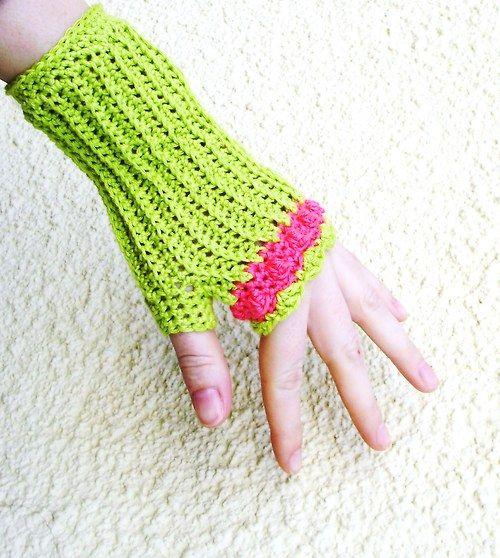 http://www.fler.cz/zbozi/rukavnicky-neonky-4871404  Crochet fingerless gloves