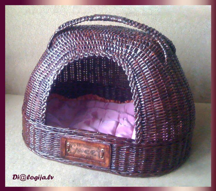 Dog/Cat House, Dialogija