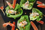 """Voici la recette présentée à """"Salut Bonjour Week-End"""" le 2 avril dernier.  Ingrédients: 200 g. de chair de crabe effilochée 100 g. de crevettes nordique hachée 2 c. à soupe de mayonnaise Zeste et jus d'une lime 1 branche de fenouil coupé en..."""