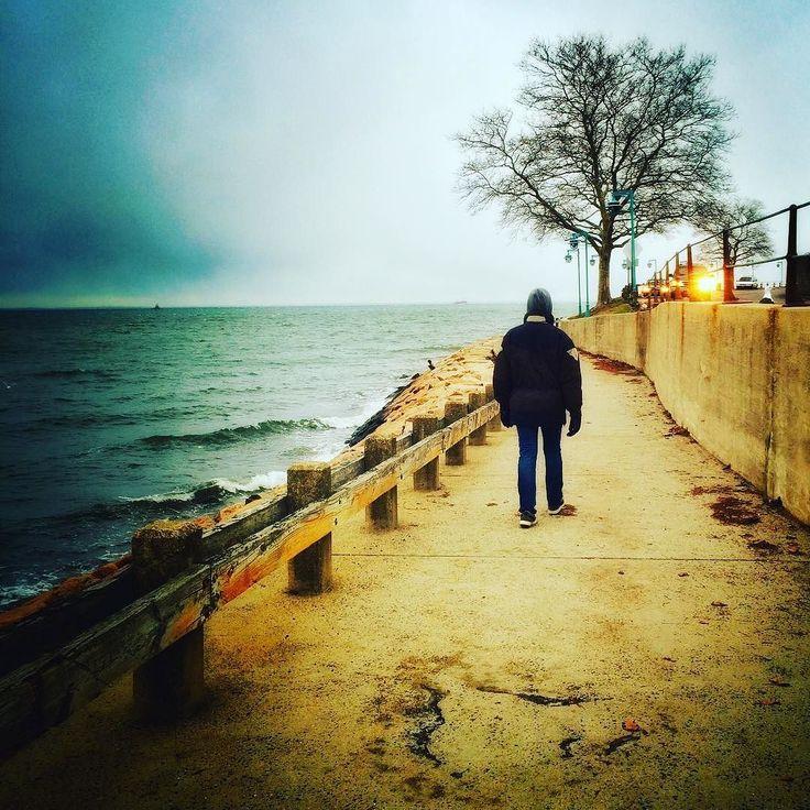 """#InstagramELE  """"UN hombre UN camino UN destino UN deseo UN reencuentro? UN lamento?"""" #microrelato #palabrasmásfrecuentes #tonteríasjaja"""