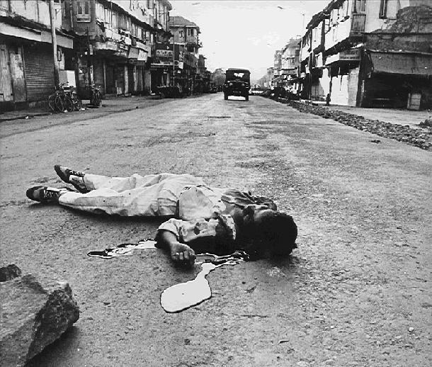 Gujrat-Riots-3.jpg (610×518)