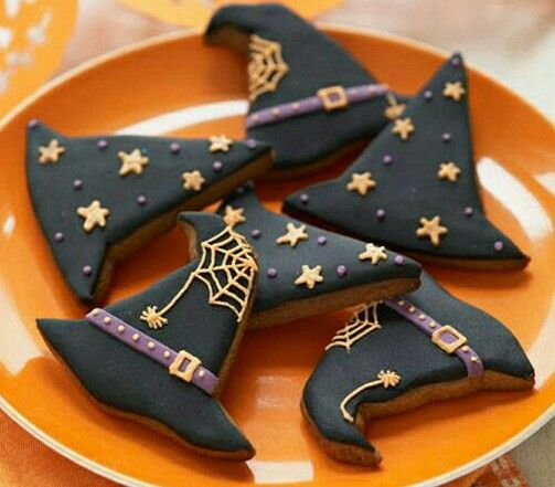 Witch pointed hat biscuits for #halloween
