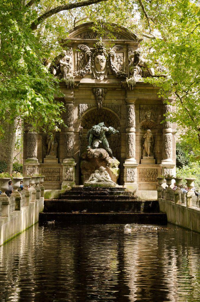 Le fantôme du jardin duLuxembourg - Et si on se promenait... à Paris ! - www.etsionsepromenait.com
