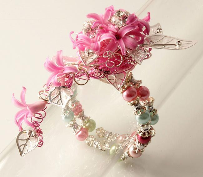 prom corsages, the latest designs   ... your wrist corsage and buttonhole accessories from Corsage Creations