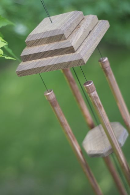 17 best ideas about homemade wind chimes on pinterest for Wind chime design ideas
