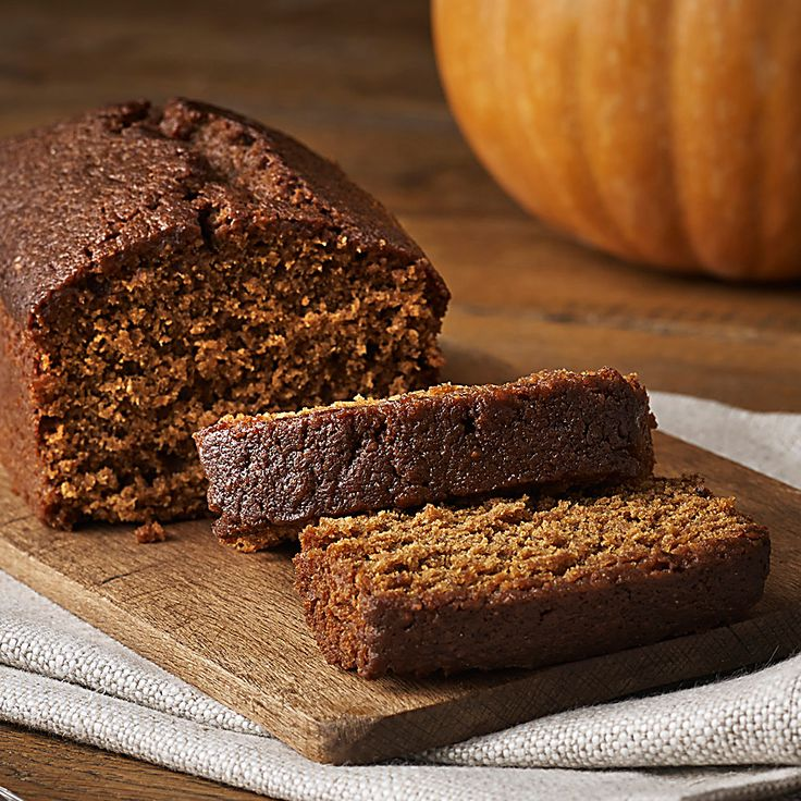 Traditionally enjoyed in Yorkshire on Bonfire Night,parkin is a seasonal  treat, packed with black treacle and spiced with ginger. It's the oatmeal  in the recipe that gives it a unique, not quite ginger cake,  texture.Bettys have been making it in Harrogate for 30 years, so they  should know