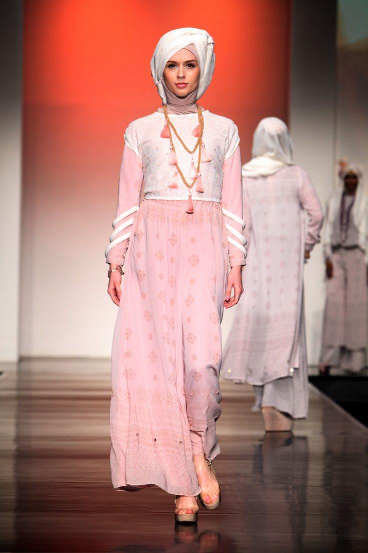 Ria Miranda 'Beatnik', Jakarta Islamic Fashion Week 2013