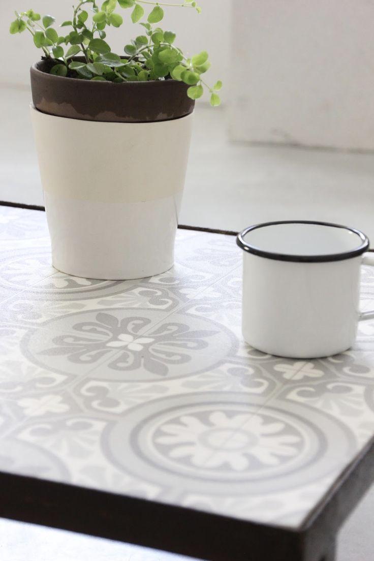 REGARDS ET MAISONS - DIY TABLE FAÇON CARREAUX DE CIMENT