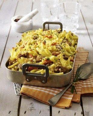 Das Rezept für Makkaroni-Bratwurst-Auflauf mit Möhren und Champignons und weitere kostenlose Rezepte auf LECKER.de