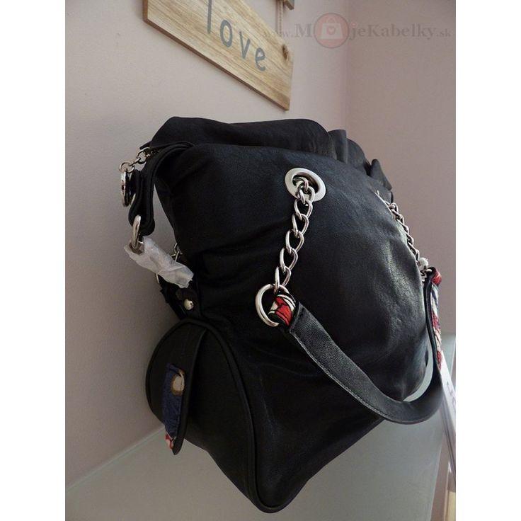 Značková talianska kabelka J&C čierna ekokoža JC707-1