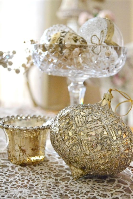 Gold And White Christmas Table Decorations 251 best white, gold & silver christmas images on pinterest