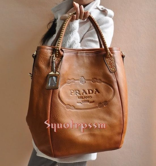 I'm not a brand whore, but I'm a sucker for good leather! Prada :hearts: