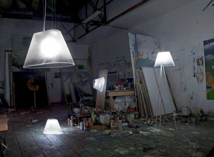 ilu kolekce interiérových svítidel ze skla vznikla ve spolupráci s firmou Preciosa a.s.  materiál: křišťál, komaxitovaná nerezová ocel zdroj světla: led, halogenová žárovka  Foto by Tomáš Brabec